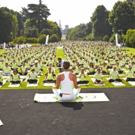 free yoga by oysho milano 2014